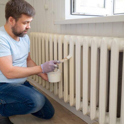 Zo verf je gemakkelijk de verwarming in 5 stappen
