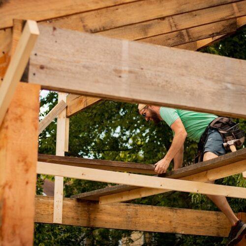 Zelf een houten veranda bouwen: stappenplan