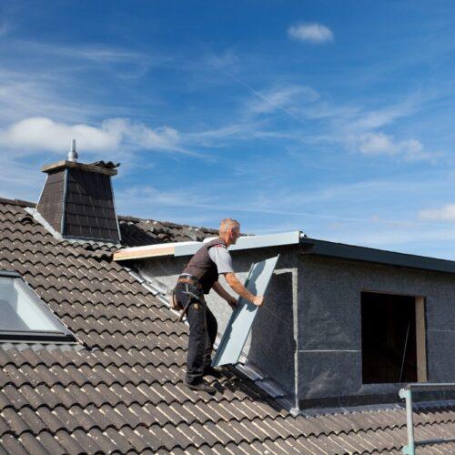 Zelf een dakkapel plaatsen: is dat een goed idee?